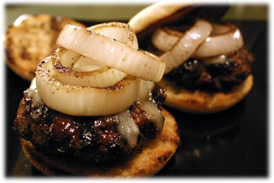 bbq beef burgers with onions