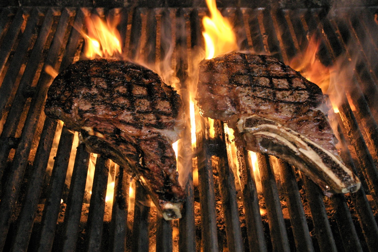 grilling really good steaks