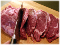 slicing beef tenderloin