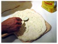 alfredo sauce on pizza