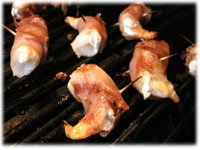 grilling shrimp wrapped in bacon