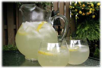how to make fresh squeezed homemade lemonade recipe