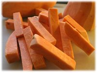 cutting sweet potato fries