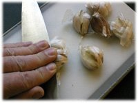 how to peel garlic
